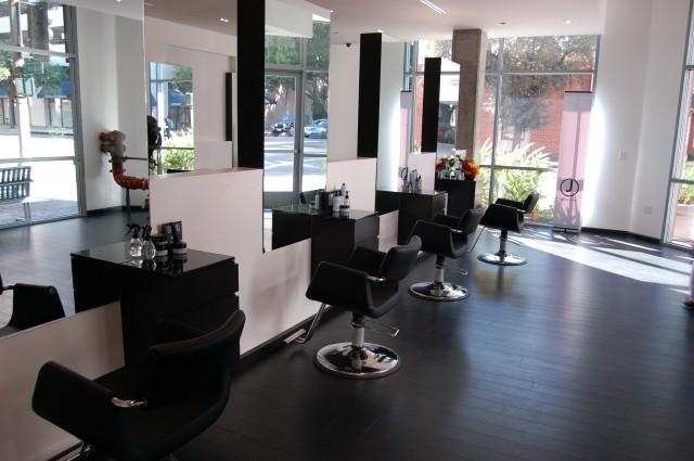 What To Look For In A Salon